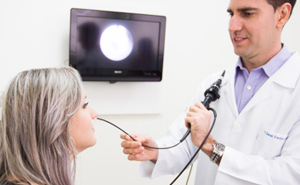 Exame de Laringoscopia